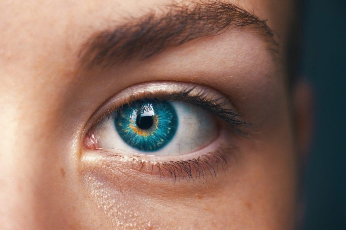 eye-yoga-la-ginnastica-antifatica-e-antirughe-per-i-tuoi-occhi